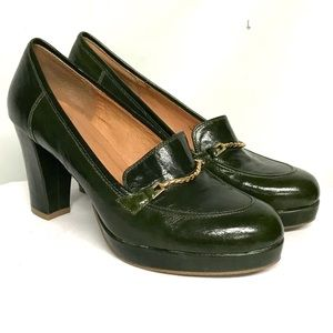 Hard to find forest green color leather heels